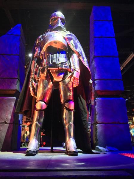 captain-phasma-costume-star-wars-force-awakens