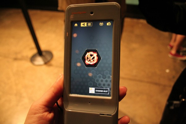 hunger-games-experience-guide-device