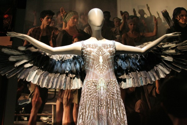 hunger-games-experience-katniss-costumes-4