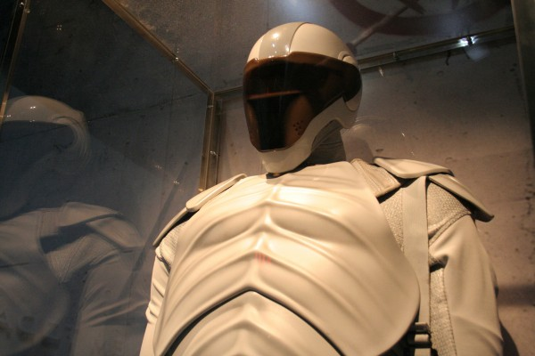 hunger-games-experience-peacekeeper-2