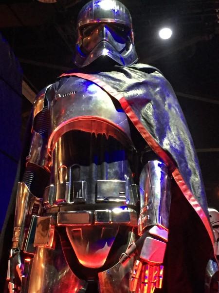 star-wars-7-captain-phasma-costume-detail