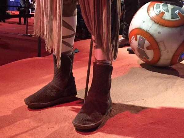 star-wars-rey-feet-costume