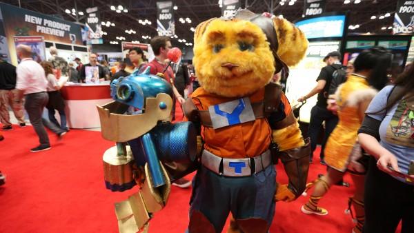 imagen-cosplays-new-york-comic-con-2015-(60)