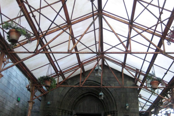 wizarding-world-of-harry-potter-greenhouse-4