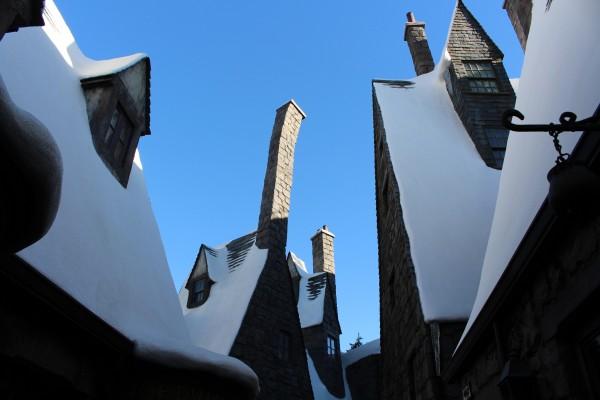 wizarding-world-of-harry-potter-hogsmeade-10