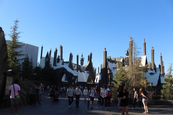 wizarding-world-of-harry-potter-hogsmeade-21