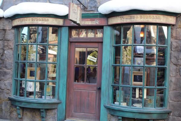 wizarding-world-of-harry-potter-hogsmeade-30