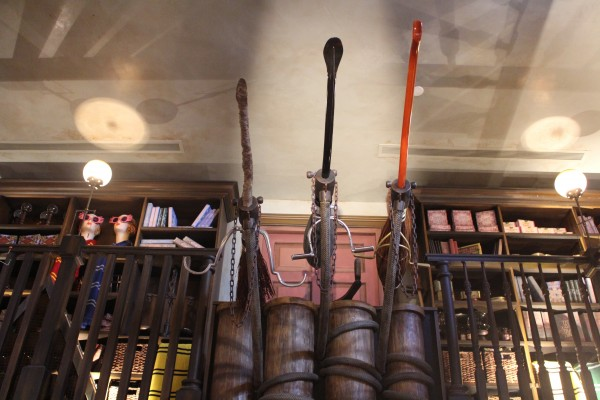 wizarding-world-of-harry-potter-hogsmeade-dervish-and-banges-6